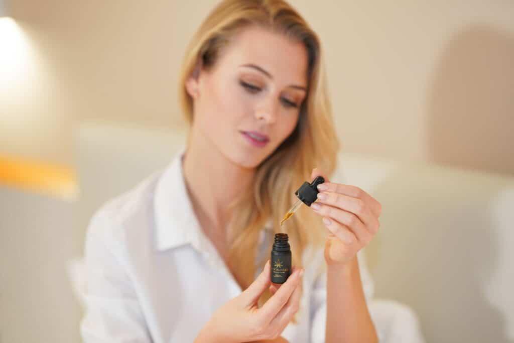 somministrazione olio di cannabis o cbd oil